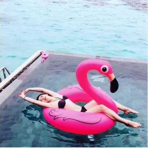 flamingo, pool party, blog mode, the green ananas, flamand rose, bouée flamingo rose