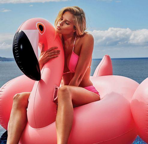 flamingo, pool party, blog mode, the green ananas, flamand rose, bouée flamingo rose